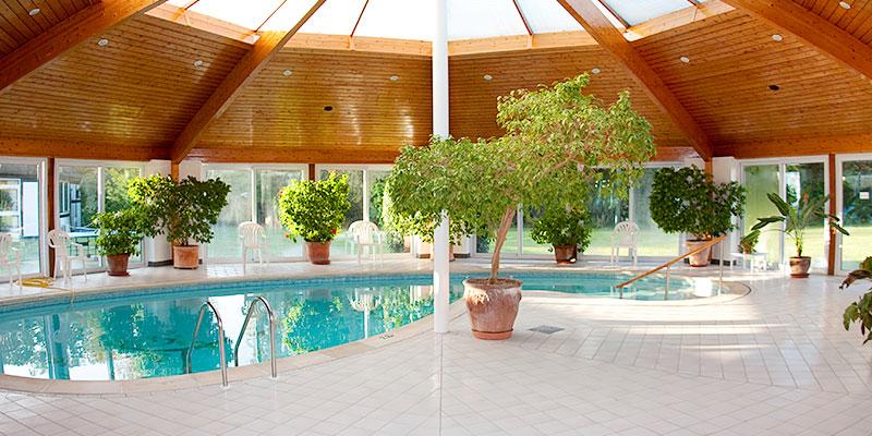 Indoor swimming pool at Cardinal Clinic